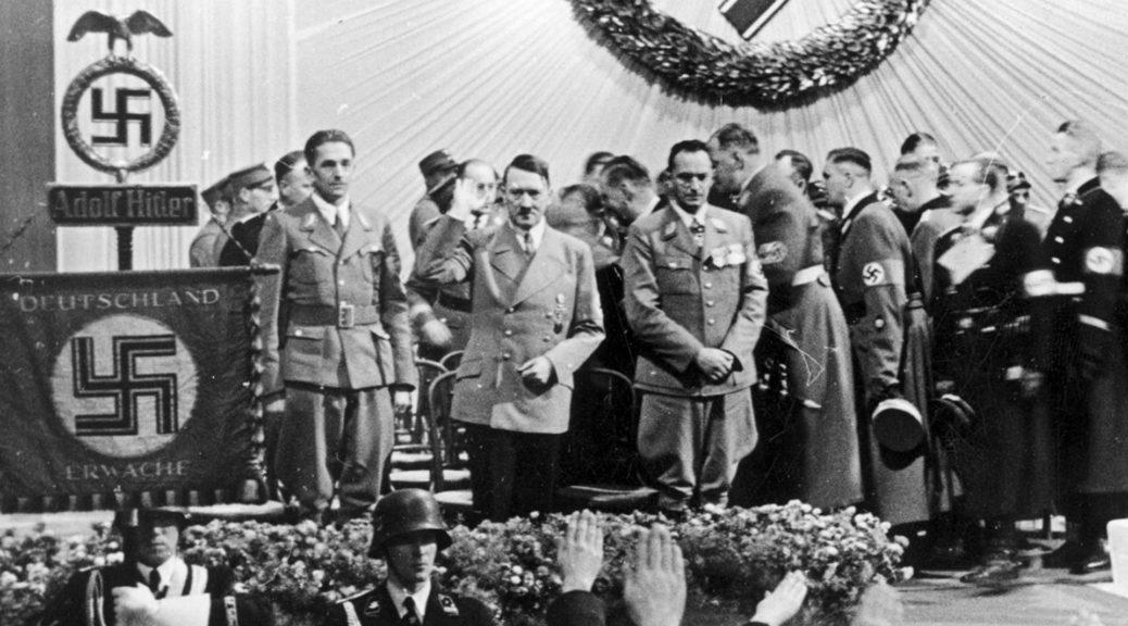Adolf Hitler im Februar 1938